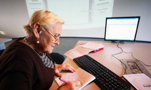 Какие выплаты имеет право получить уволенный пенсионер?