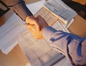 При заключении договора на аренду вам стоит внимательно просмотреть все пункты.