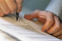 Подписание договора об аренде квартиры