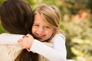 Удочерение ребенка приемными родителями