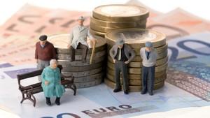Выплата пенсий по старости